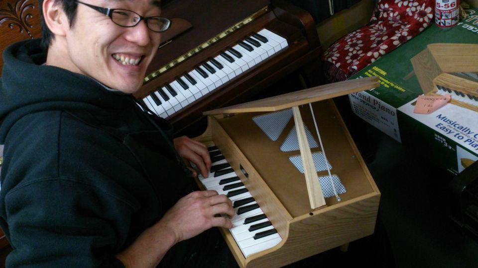 カワイの木のおもちゃ「ミニピアノ」